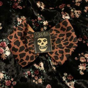 Hot Topic Misfits Leopard Bow 🐆
